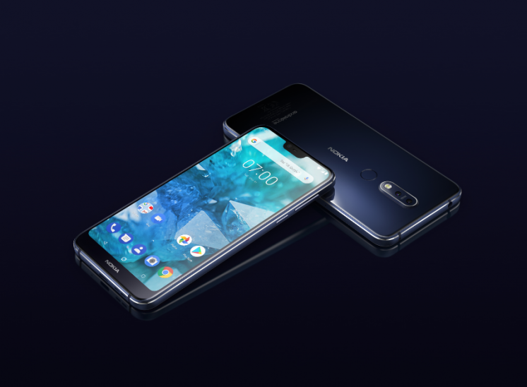 gallery/nokia 7.1 midnight blue
